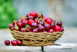 cherry-2554364_960_720-300x202